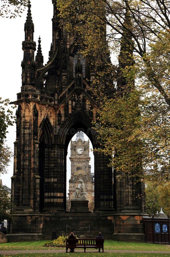 Scott Monument en la princesa Street, un monumento gótico victoriano de Edimburgo a Sir Walter Scott escocés autor foto de archivo