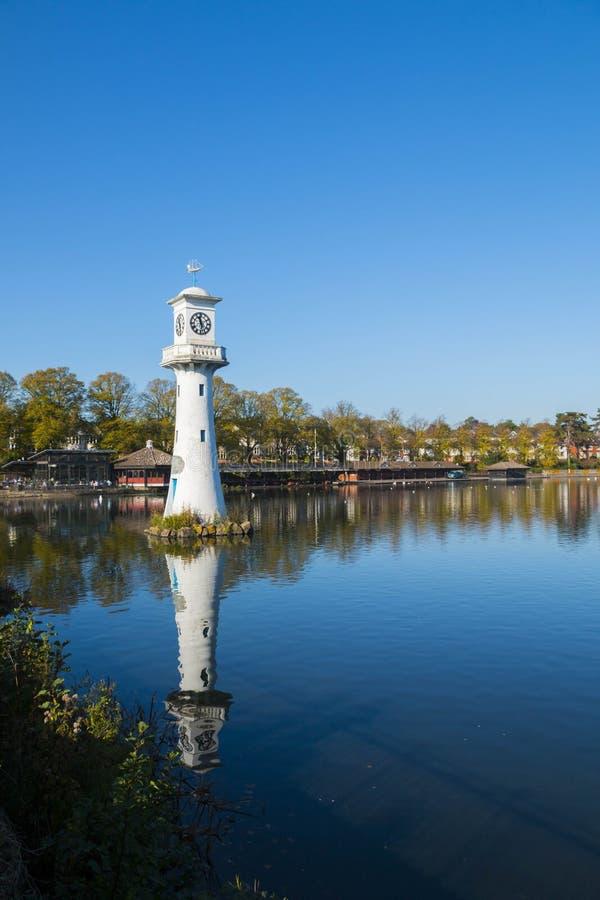Scott Monument, lago park de Roath, Cardiff, Gales, Reino Unido fotografia de stock royalty free