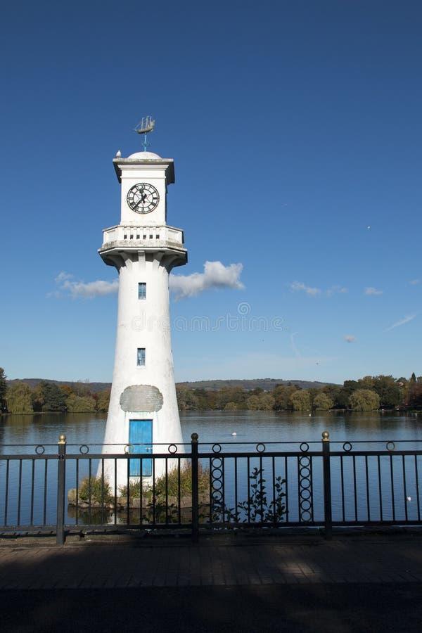 Scott Monument, lago park di Roath, Cardiff, Galles, Regno Unito fotografia stock