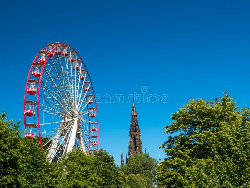 Download Scott Monument Und Festival-Rad Redaktionelles Stockbild - Bild von stadt, schottisch: 96928259