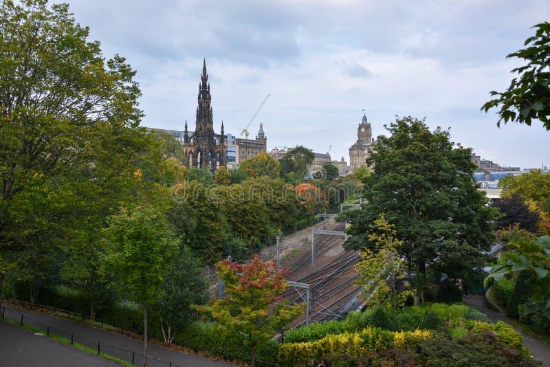 Scott zabytek i taborowi ślada w Edynburg obraz royalty free