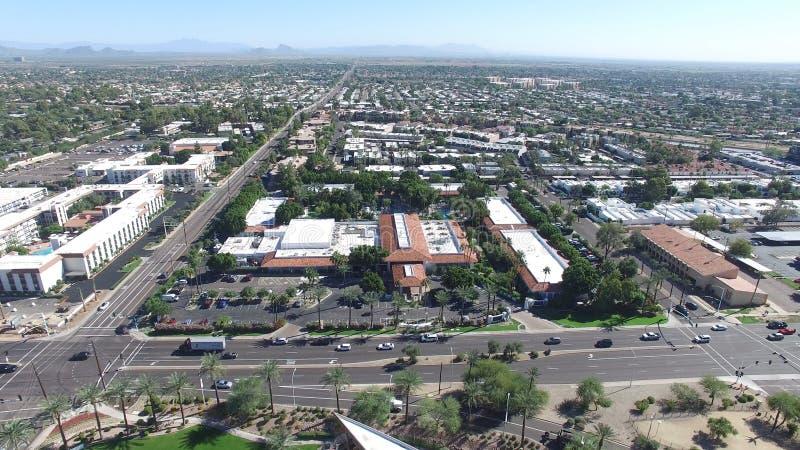 Scottsdale Arizona, USA - flyg- skott för landskap av Scottsdale på en härlig dag arkivbilder