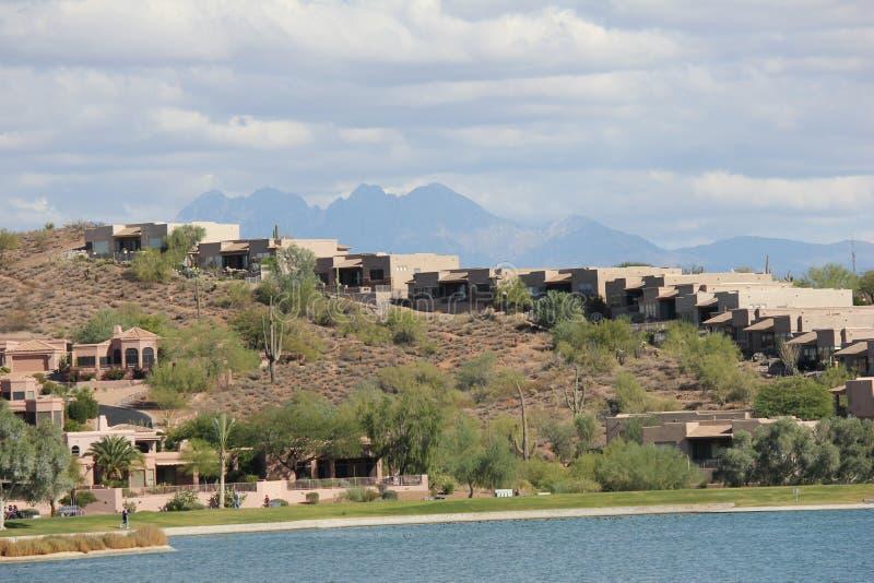 Scottsdale como ranchland suburbano, la ciudad se ha convertido en un destino deportivo con todo tranquilo famoso para sus propie foto de archivo