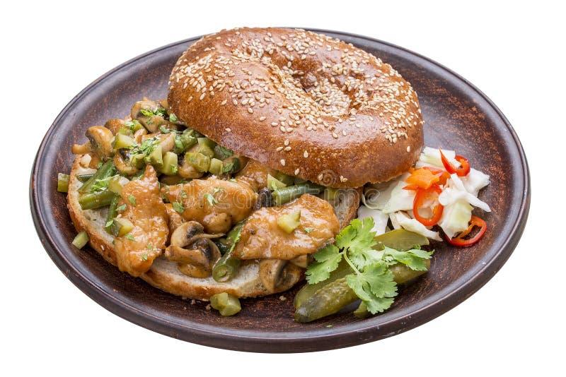 Screpolatura-screpolatura del panino con il curry del pollo immagini stock libere da diritti