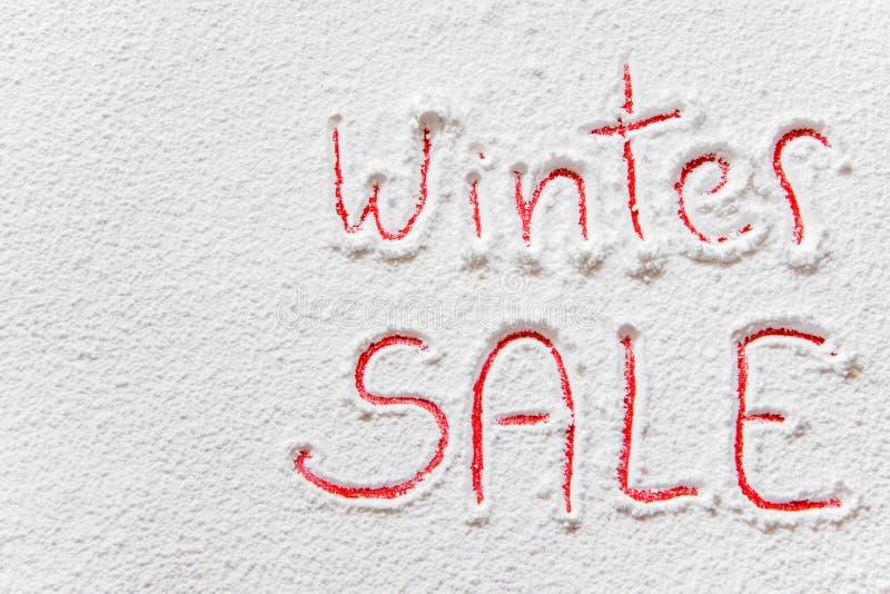 ` Scritto di VENDITA di inverno del ` sulla neve fotografie stock libere da diritti
