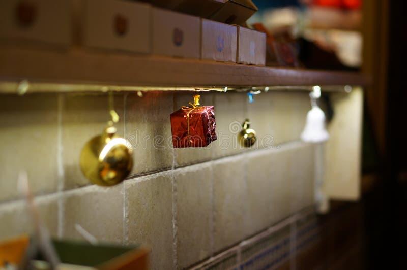 Scrittorio della campana del regalo di Natale fotografie stock libere da diritti
