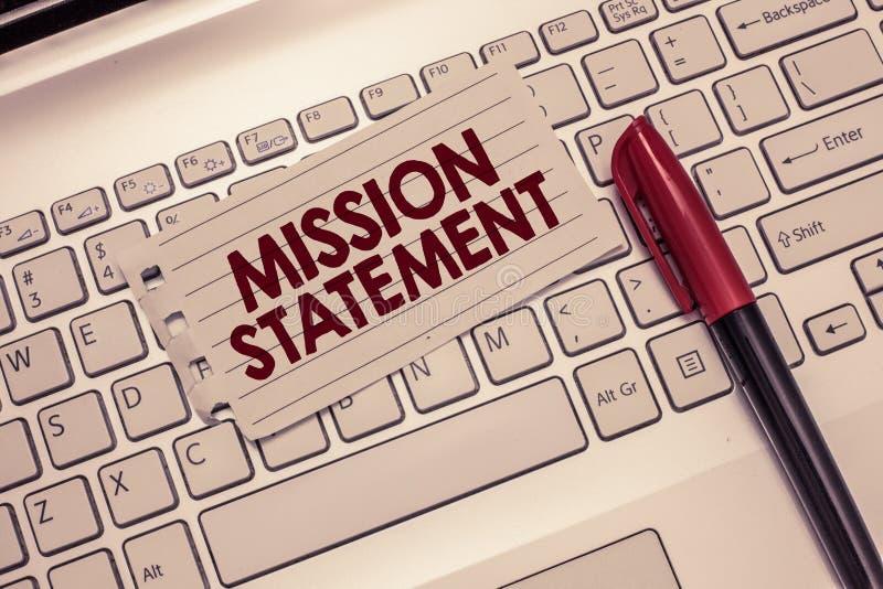 Scrittura concettuale della mano che mostra dichiarazione di missione Foto di affari che montra riassunto convenzionale degli obi immagine stock libera da diritti