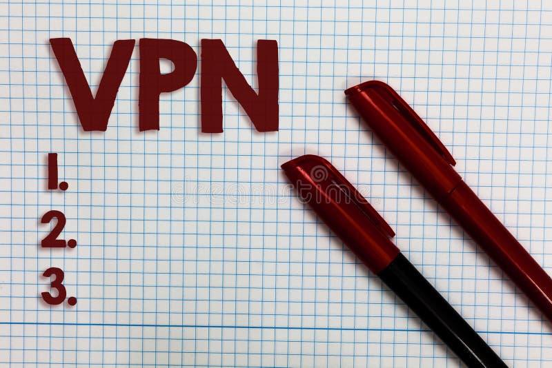 Scrittura concettuale della mano che mostra Vpn Foto di affari che montra rete privata virtuale assicurata attraverso il protecte fotografie stock libere da diritti