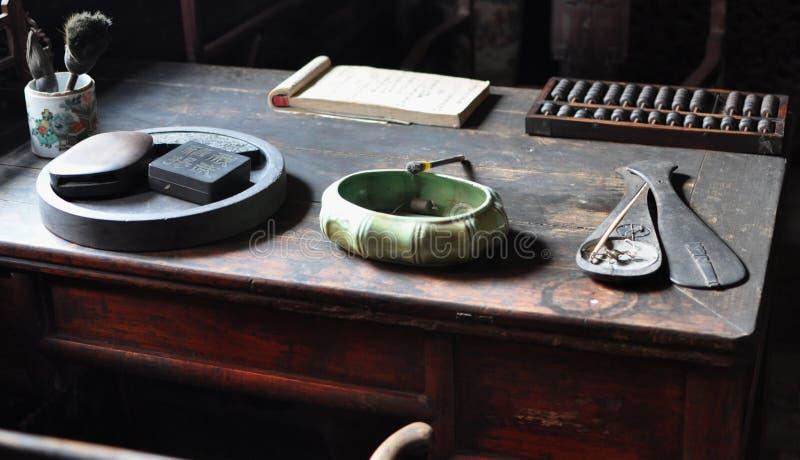 Scrittura dello scrittorio di legno fotografia stock libera da diritti