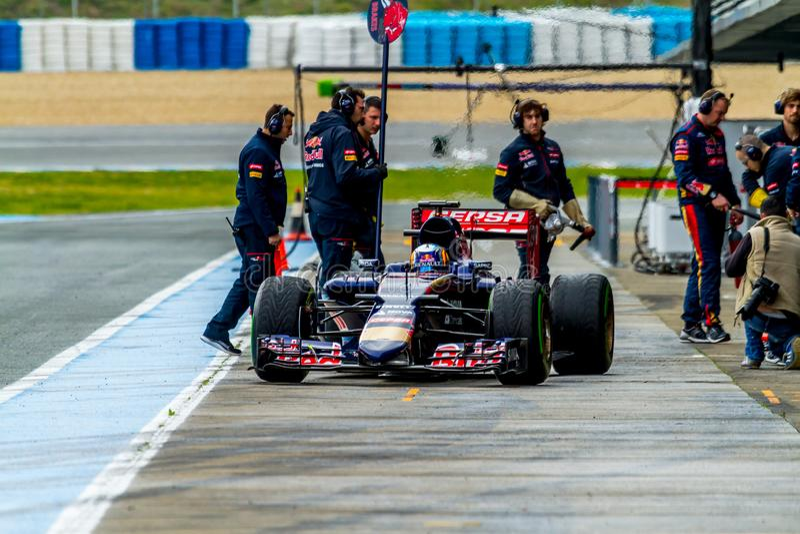 Scuderia Toro Rosso F1 lag, Carlos Sainz, 2015 arkivbilder