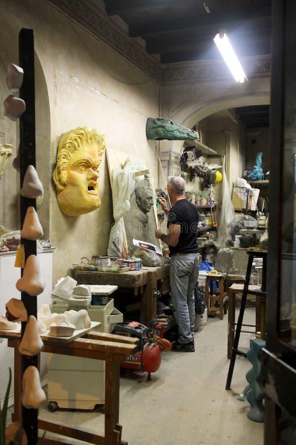 Sculpteur à Rome photos libres de droits