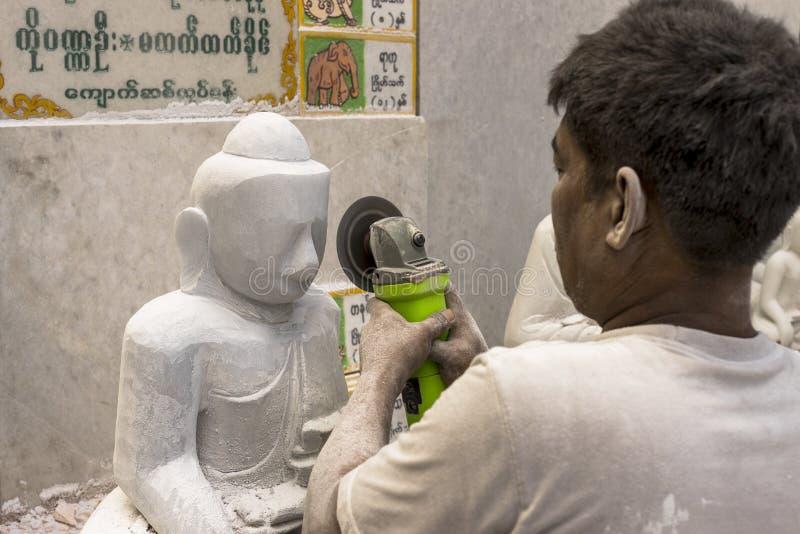 Sculpteur dans Myanmar image libre de droits
