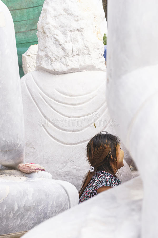 Sculpteur dans Myanmar image stock