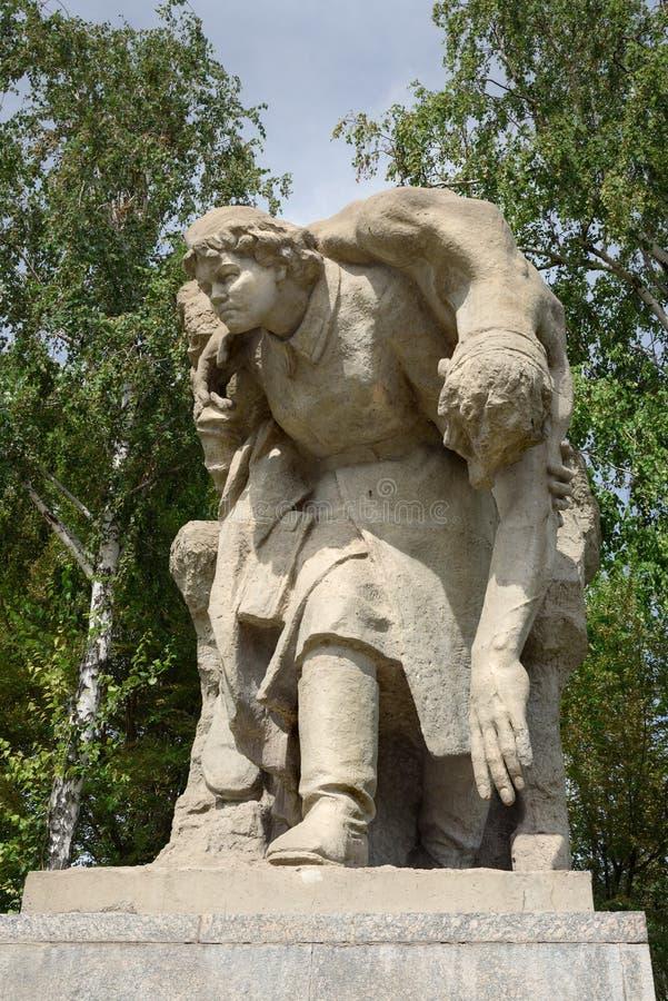 Sculptura Poświęcać bohaterscy czyny kobiety podczas wojny na kwadracie bohaterzy Mamayev Kurgan w Volgograd fotografia stock