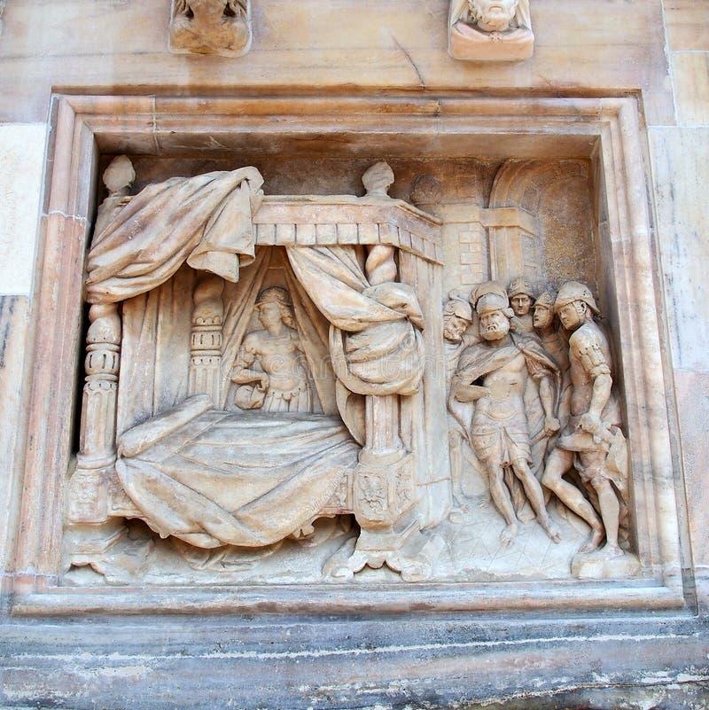 Sculpture biblique, Milan Cathedral, Italie image libre de droits