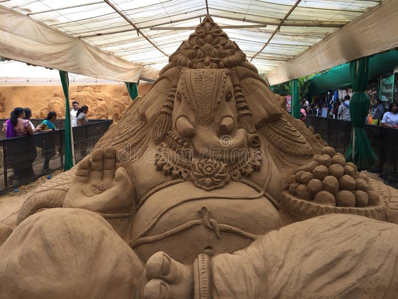 Sculpture complexe en sable de Lord Ganesh à Mysore images stock