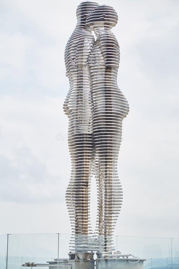 Sculpture d'Ali et de Nino à Batumi Statue d'un homme et d'une femme image stock