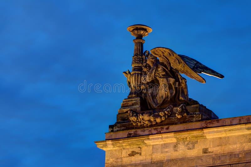 Sculpture d'ange sur la cathédrale d'Isaac de saint images stock