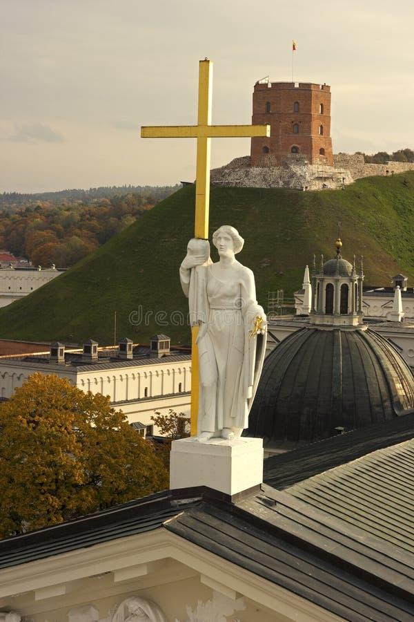 Sculpture de la Ste.Hélène sur la cathédrale de Vilnius en Lithuanie photos libres de droits