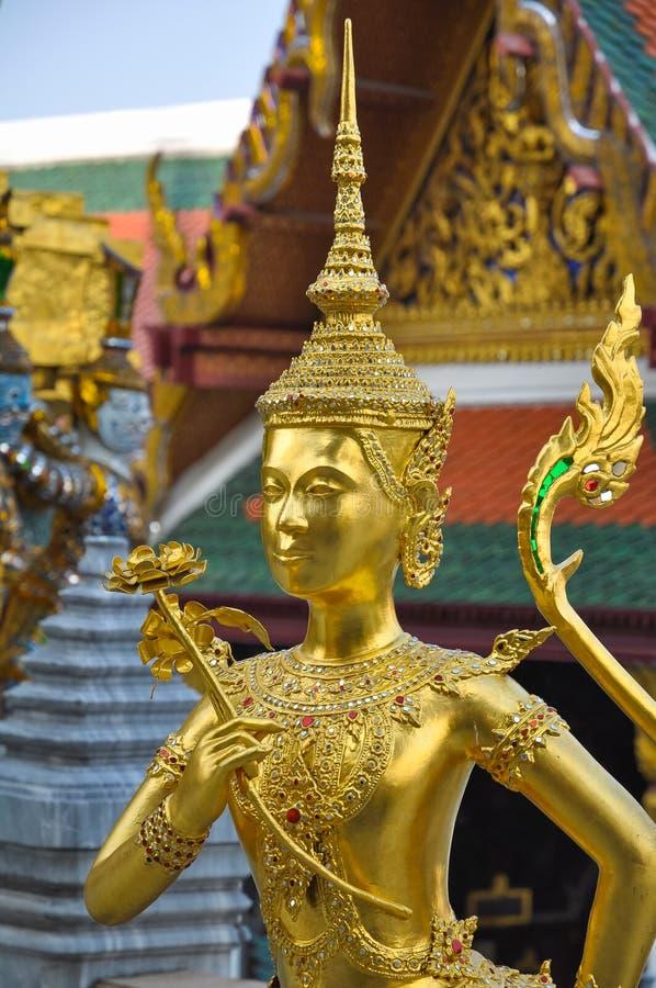 Sculpture des créatures mythiques Kinari à Royal Palace image stock