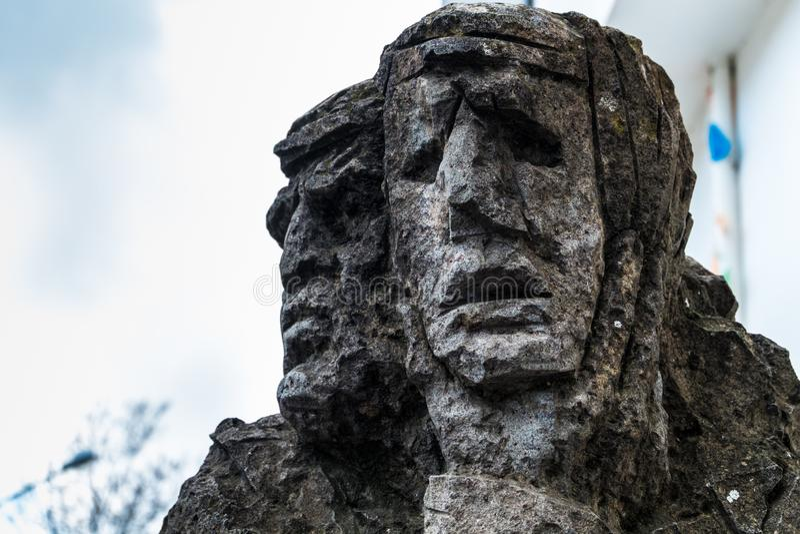 01-18-2018 - sculpture des mamuthones, masque traditionnel dans le carnaval de Mamoiada, Nuoro, Sardaigne, Italie photos libres de droits