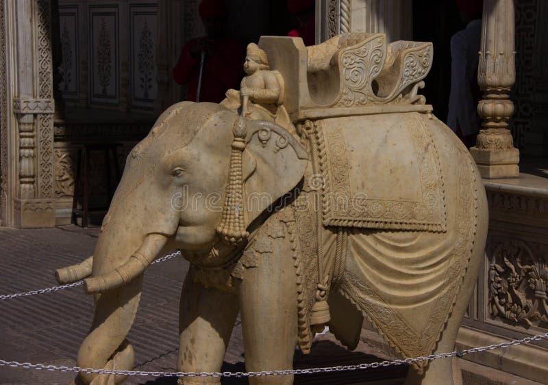 Sculpture en éléphant dans le palais Jaipur, Inde de ville images libres de droits