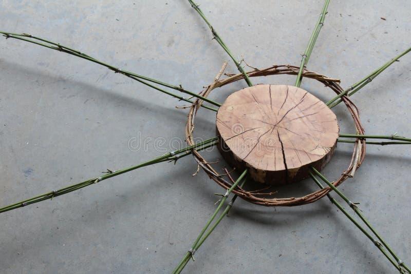 Sculpture en art de nature de bois, des vignes, et du bambou image stock