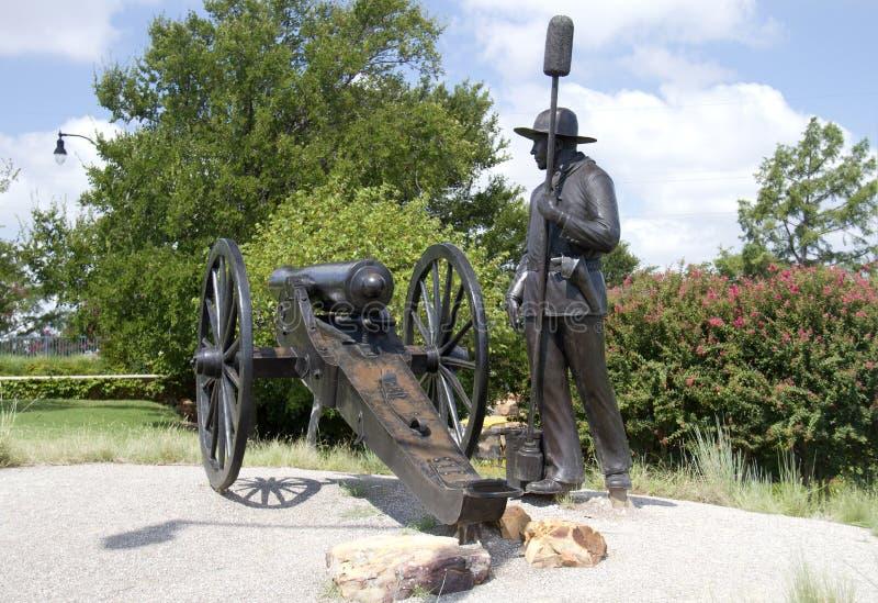 Sculpture en bronze dans la ville moderne l'Oklahoma photographie stock libre de droits