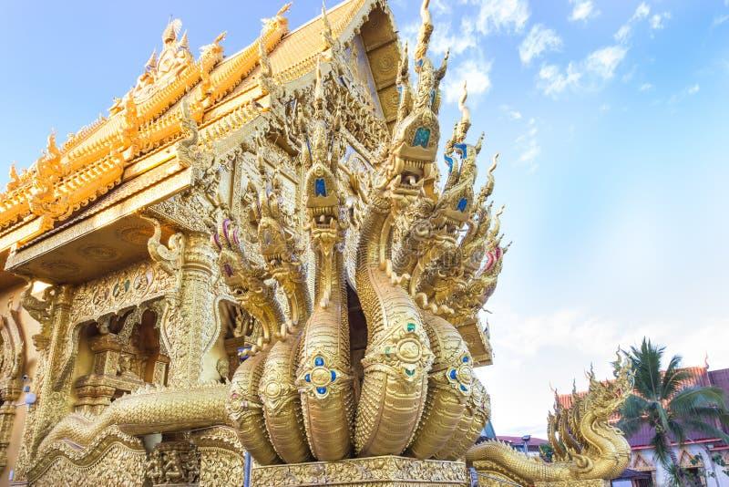 Sculpture en dragon au temple de Sri Pan Ton, province Nan, Thaïlande photographie stock