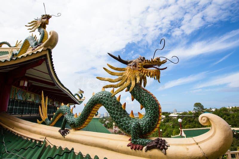 Sculpture en dragon du temple de Taoist à Philippines image libre de droits