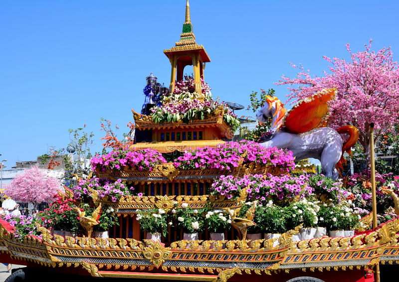 Sculpture en fleur dans le festival de fleur image libre de droits