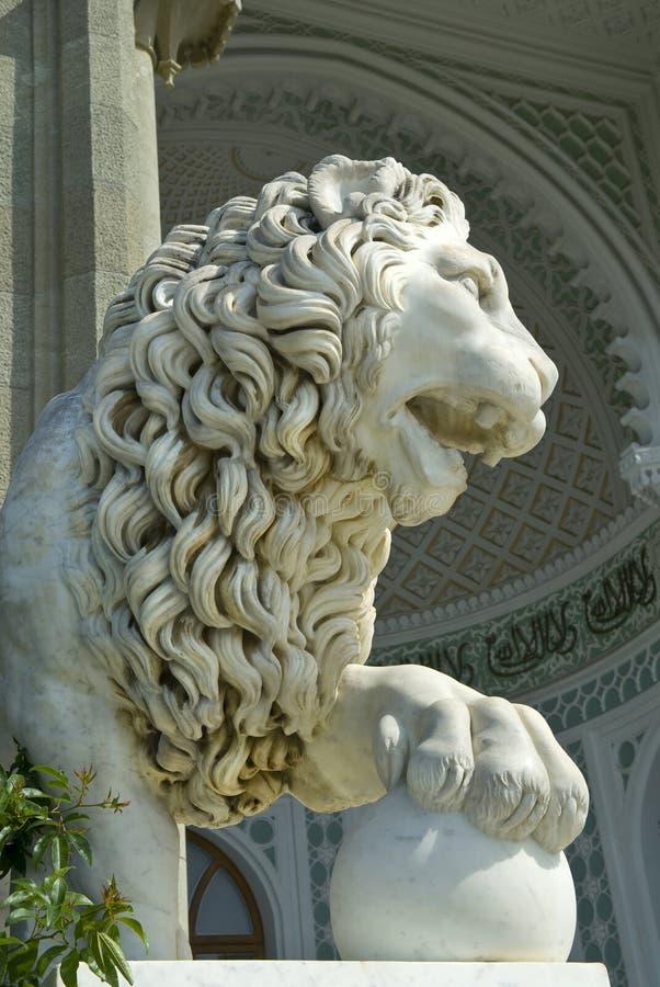 Sculpture en lion en palais de Vorontsov photographie stock libre de droits