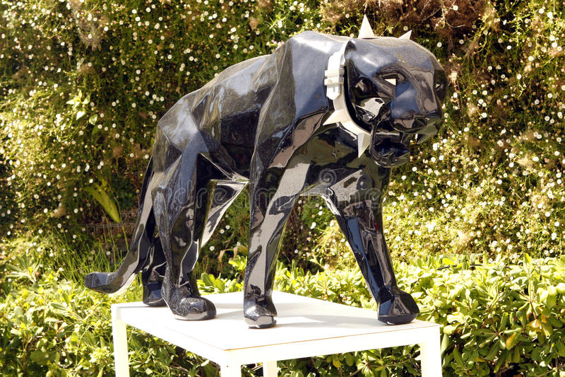sculpture en panth re de richard orlinski image ditorial image 48405960. Black Bedroom Furniture Sets. Home Design Ideas