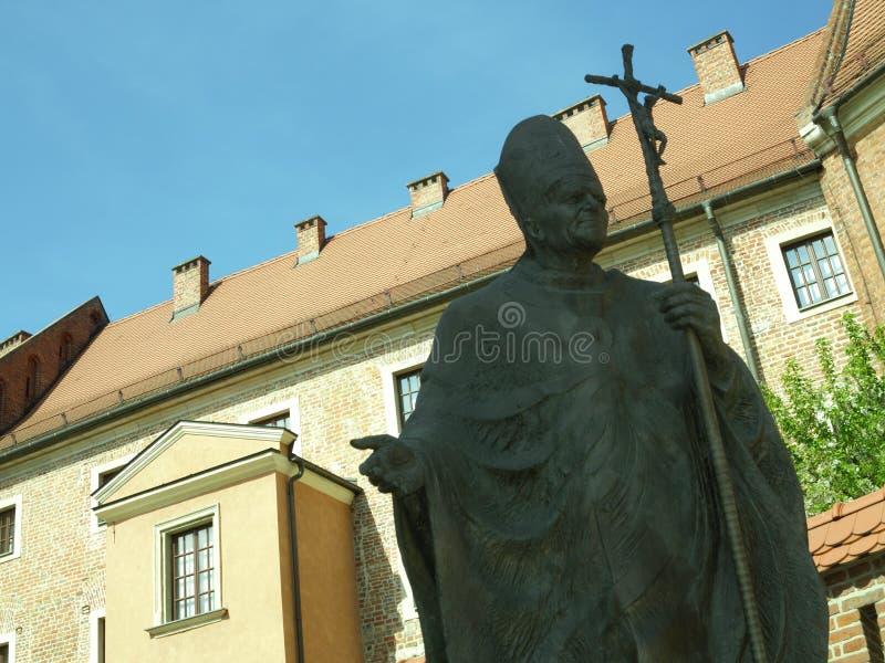 Sculpture en pape et les bâtiments photo libre de droits