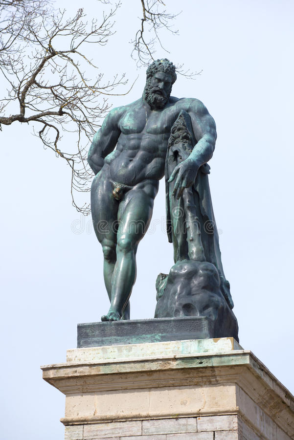 The sculpture of Hercules on the Cameron gallery, cloudy April day. Saint Petersburg stock photos