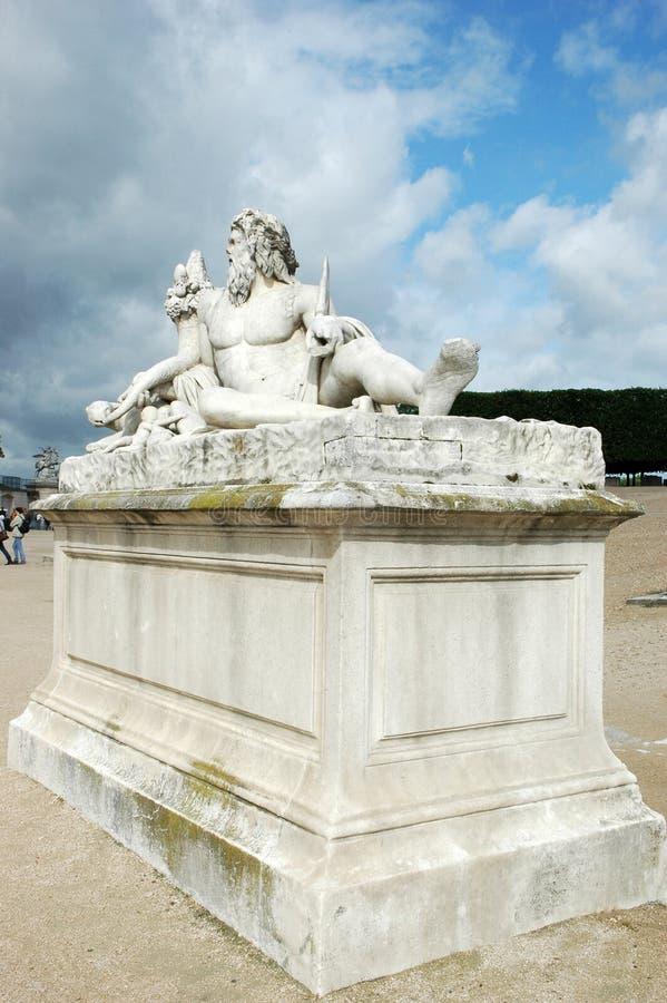 Sculpture Le Timbre dans le jardin de Tuileries à Paris images libres de droits