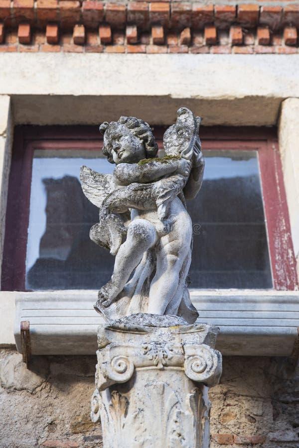 Sculpture médiévale en Bourgogne images stock