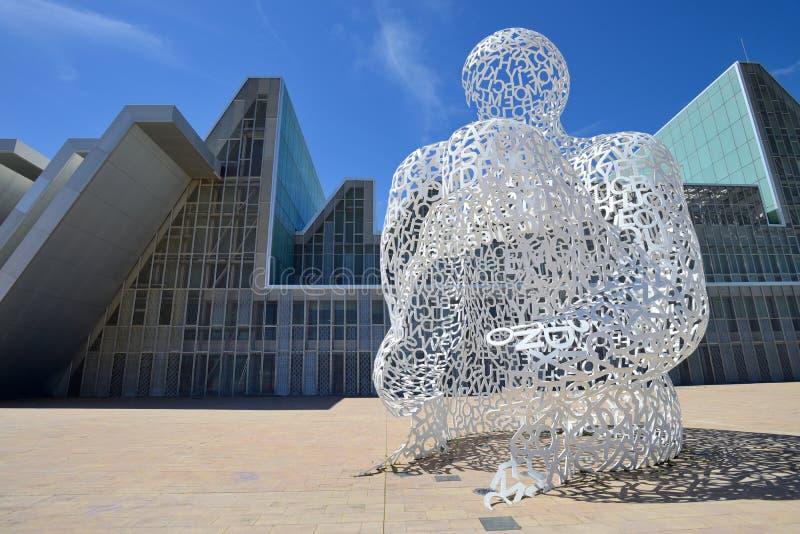 Sculpture moderne à Saragosse photos stock
