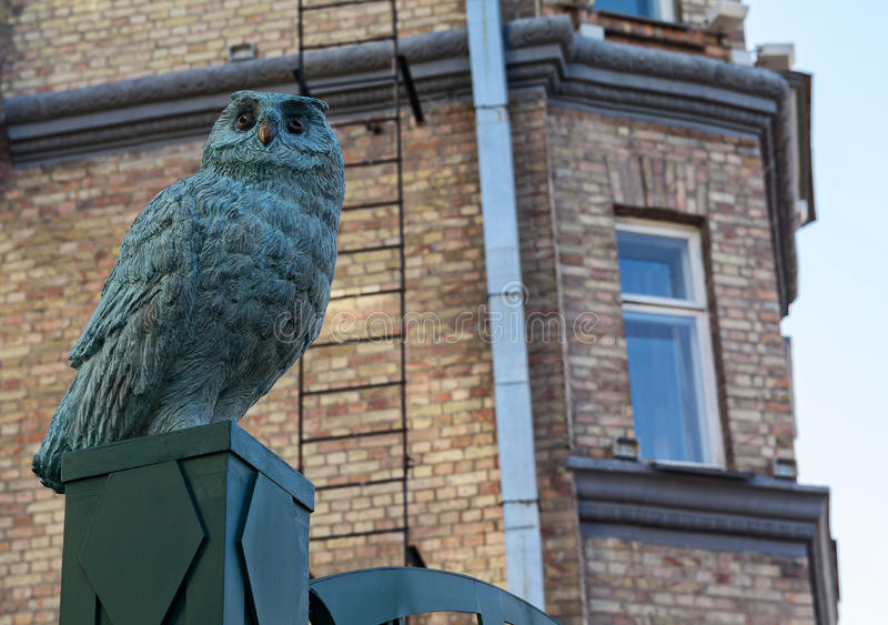 Sculpture of an owl. In the street St. Andrew's descent - the historic part of Kiev. Ukraine stock images