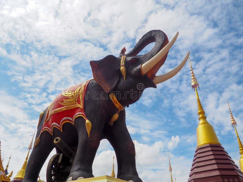 Sculpture thaïlandaise en éléphant, statue thaïlandaise d'éléphant image stock