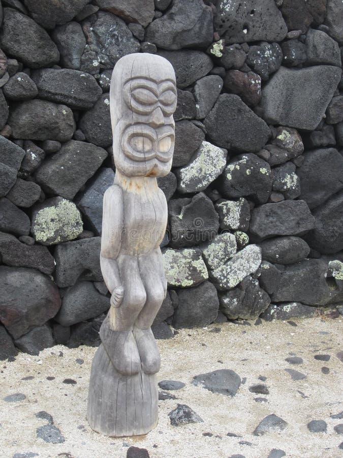 Sculpture traditionnelle en bois de Hawaiin photos libres de droits