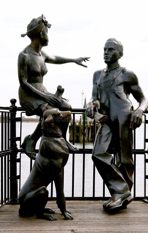 Sculpture urbaine, dans le compartiment de Cardiff. Le Pays de Galles. LE R-U. image libre de droits