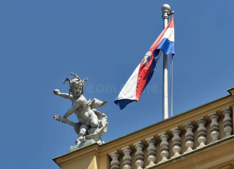 Download Sculpture On Zagreb National Theater Royalty Free Stock Photos - Image: 28256748