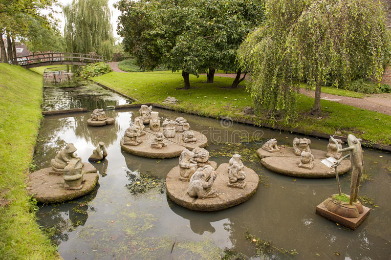 Download Sculptured Frog Orchestra In Canal Stock Image - Image: 40919801