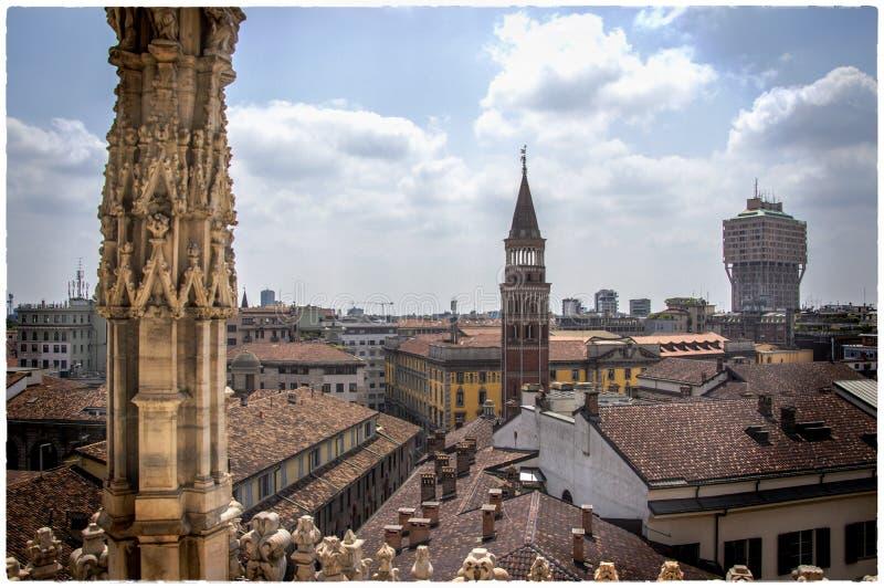 Sculptures à la façade de la cathédrale de Milan, alias Duomo images libres de droits