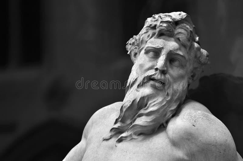 Sculptures à la fontaine, hôtel de ville de Bruxelles image libre de droits