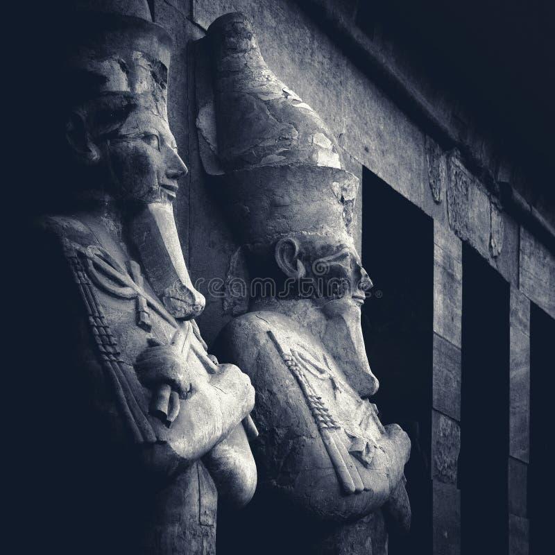 Sculptures antiques de temple de Hatshepsut photos stock