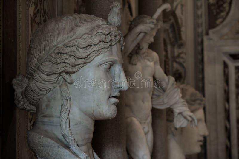 Sculptures au puits Borghese photographie stock libre de droits