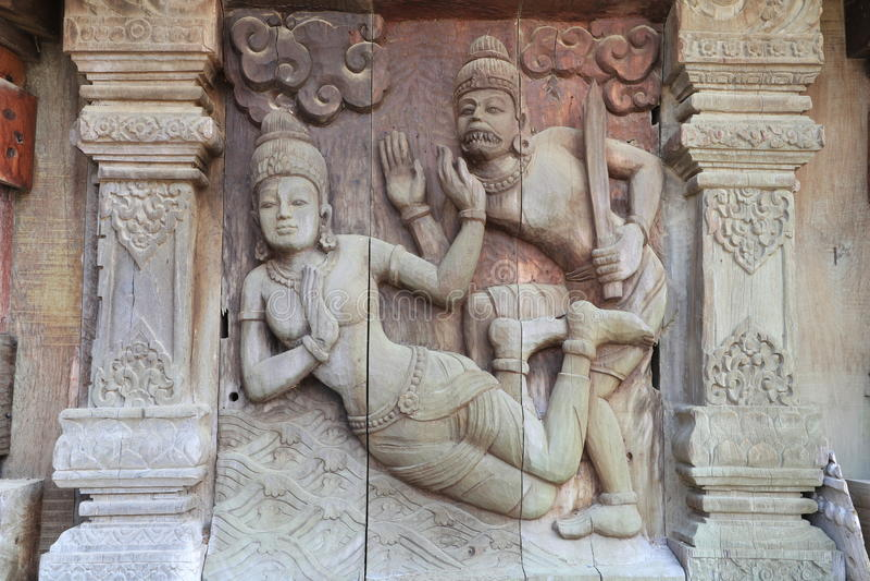 Sculptures, découpages du bois, pays antique de la Thaïlande beau image stock