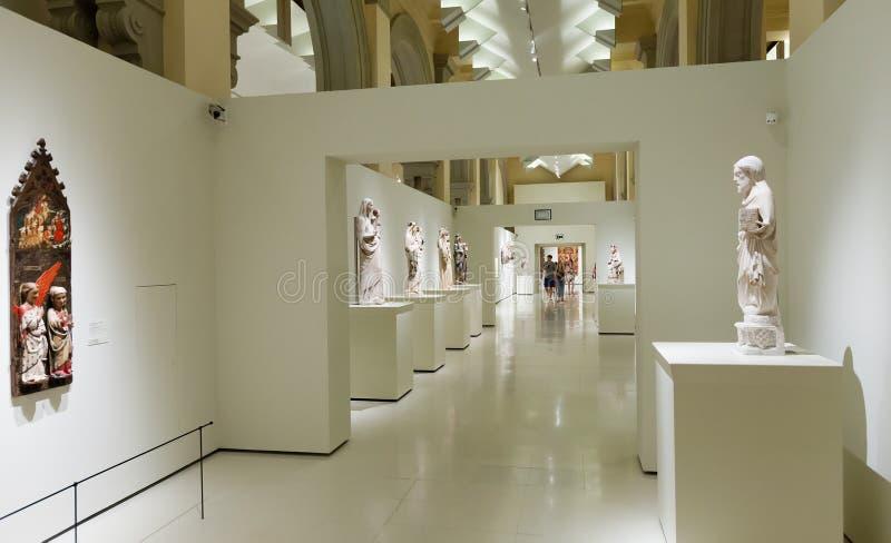 Sculptures dans le hall gothique médiéval d'art de style photo libre de droits